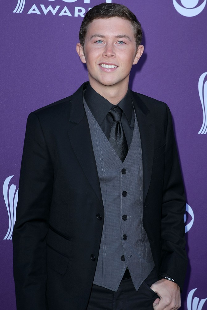 scotty-mccreery-2012-acm-awards-01